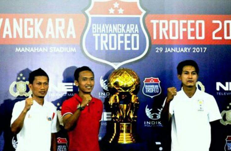 Arema FC Siap Ladeni Dua Tim di Ajang Piala Bhayangkara https://malangtoday.net/wp-content/uploads/2017/01/37812e9f-0fdb-4029-ae72-749867bb73ea.jpg MALANGTODAY.NET – Arema FC siap melakoni laga Trofeo Bhayangkara yang akan digelar di Stadion manahan Solo, Sore (29/01) nanti. Saat ini, rombongan tim Singo Edan sudah berada di Solo untuk bersiap menghadapi Persija Jakarta dan Bhayangkara FC. Untuk bisa meraih hasil maksimal, tim pelatih... https://malangtoday.net/malang-r