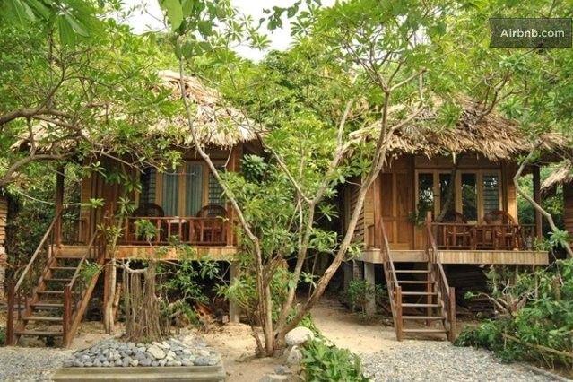 Seaview bungalow at Monkey island in Ha Long