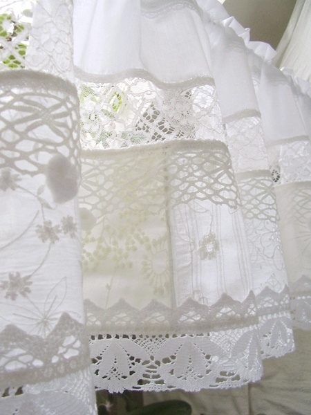 Looks like patched white work made into a sweet valance.