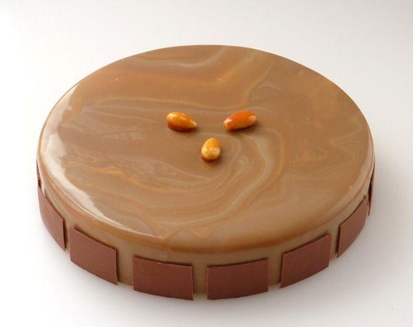 Ogni tanto una torta dai gusti ultraclassici fa bene al morale.  Dosi per 1 cerchio diametro 22 cm altezza 4 cm. RICETTA BASE AL CIOCCOLATO AL LATTE