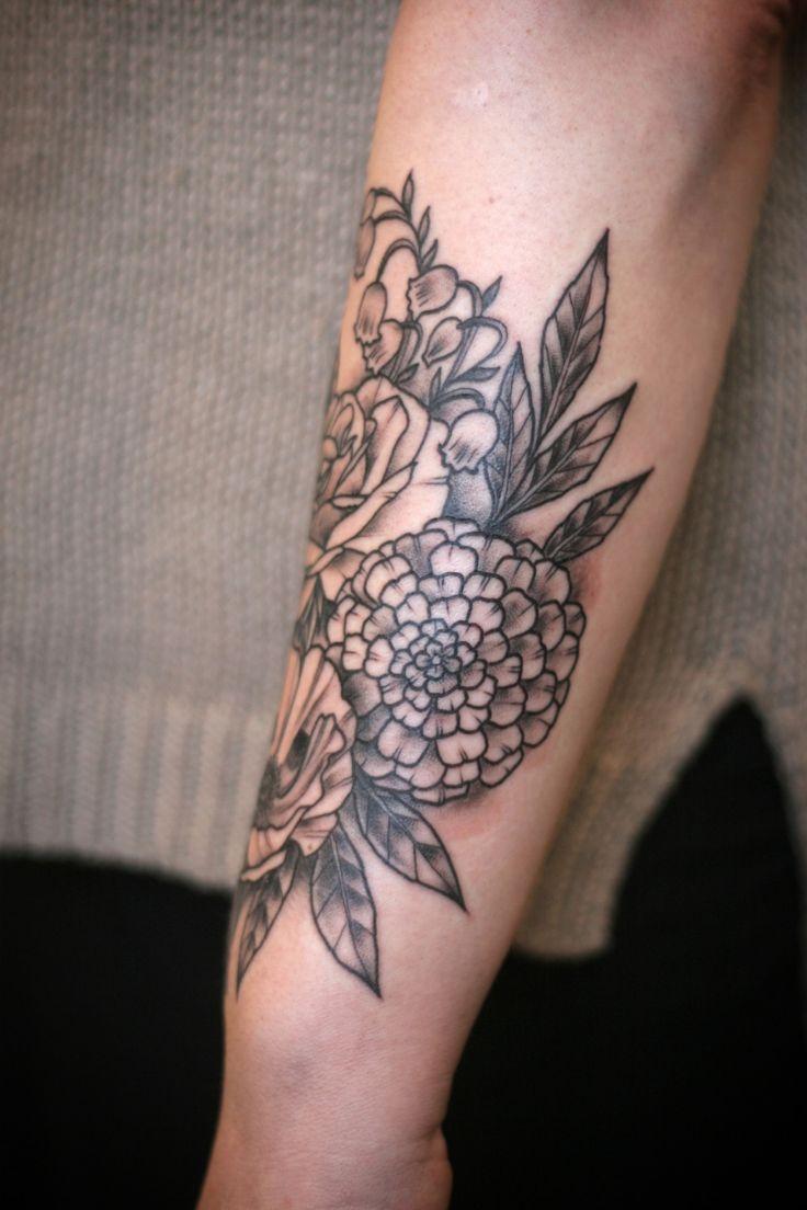 Pin eulen tattoo bedeutungen f on pinterest - Unterarm Tattoo Frau Blumen Maigloeckchen