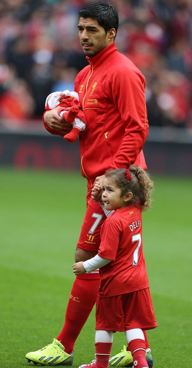 Luis Suarez with his son and daughter at Anfield #LFC