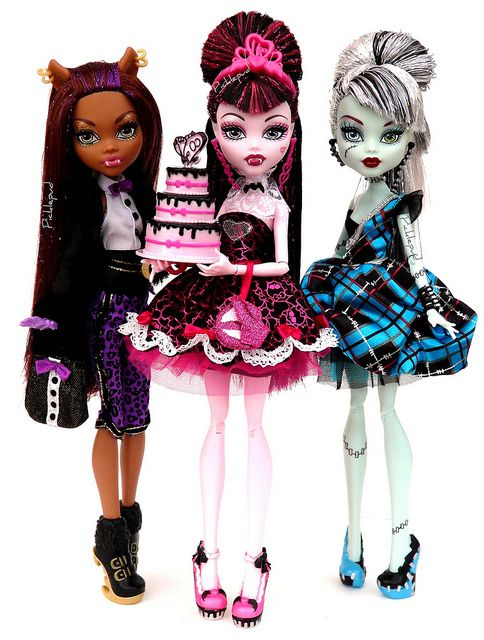 Monster High Dolls happy birthday