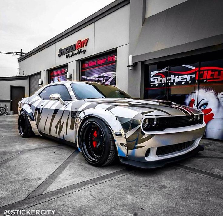 Dodge Hellcat With A Tiger Stripe Like Graphic Dat Car