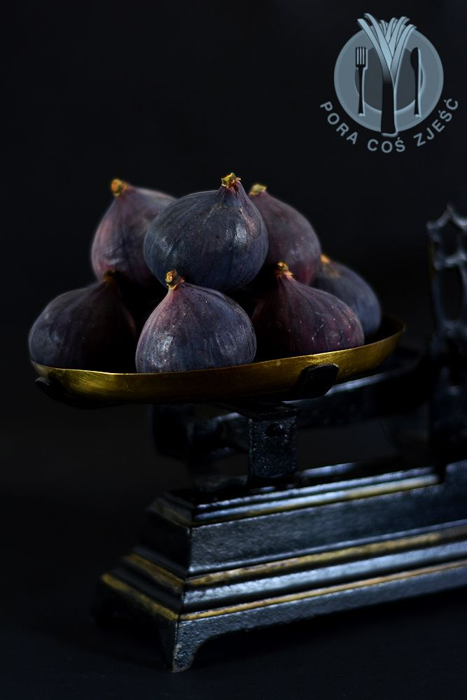 Food photography, food art - figs.