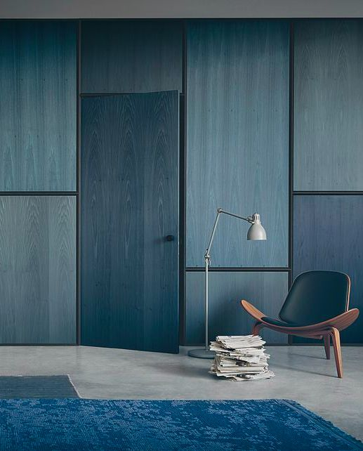 The Top 10 Interior design trends for 2017 | The Maker Place. Amazing blue room with blue painted plywood panelling.