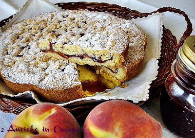 2 Friends in the Kitchen: Cake with Peaches and Blackberries