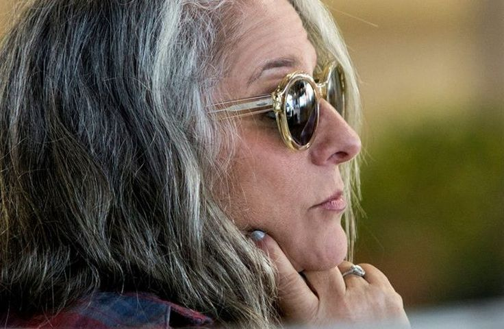 'Grace and Frankie' Season 3: Marta Kauffman Reveals First Episode Title And Plot! - http://www.movienewsguide.com/grace-frankie-season-3-marta-kauffman-reveals-first-episode-title-plot/236537