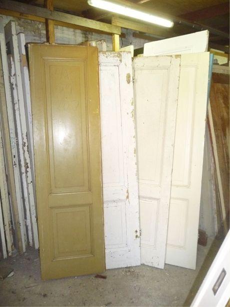 Kastdeuren met bossing paneel - Paneeldeuren - Deuren   Te koop bij Leen Oude Bouwmaterialen   Oude deuren