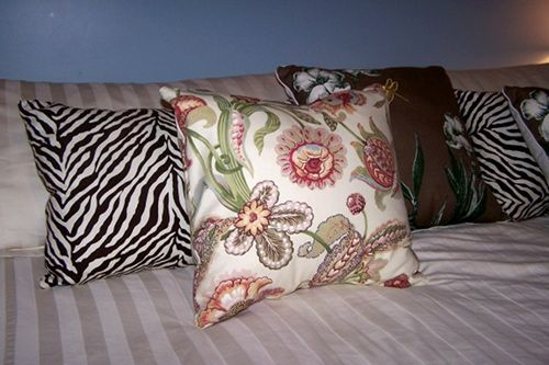 How to make pillow covers without sewing.