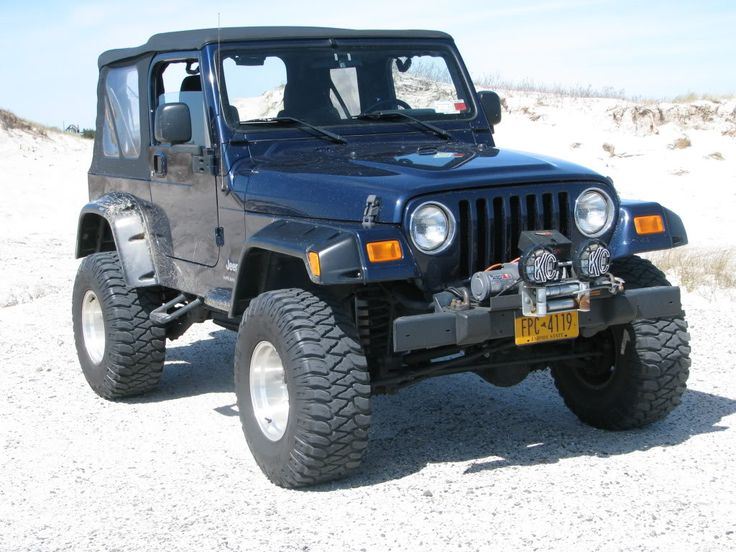 Pics of lifted jeeps with 32 33 inch tires jeep wrangler forum