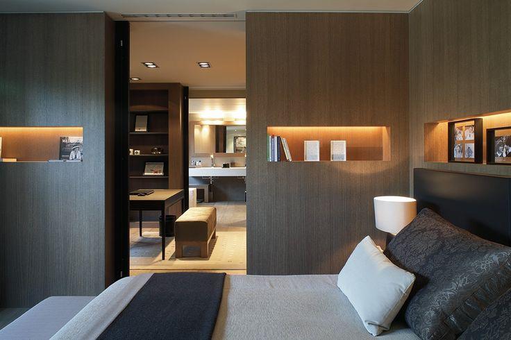 Un piso señorial en Barcelona - Decorabien.com #dormitorio #diseño #interiorismo #decoración #cama #matrimonio #piso #barcelona