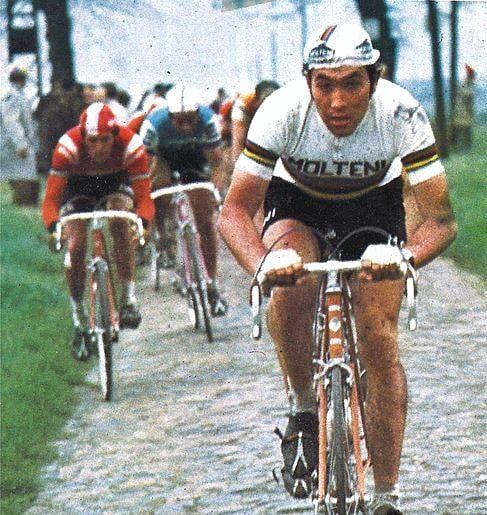 Paris - Roubaix 1972 Eddy Merckx  Casi-images #CYCLING #ROADBIKE #CYCLIST #BIKESTAGRAM #CYCLINGLIFE #STRAVACYCLING #ROADCYCLING…