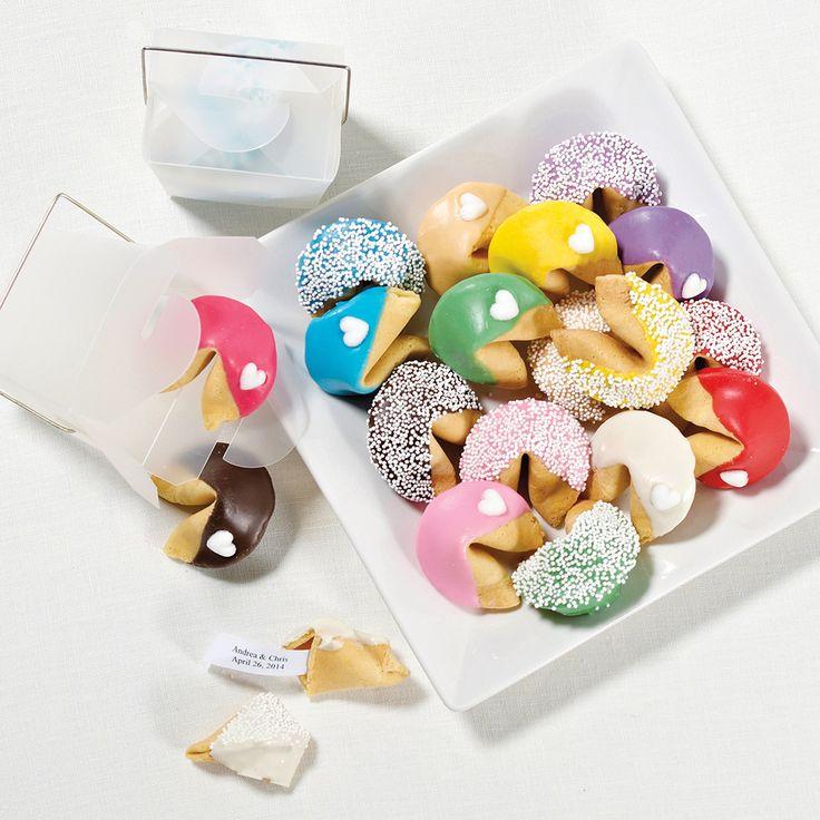 Personalized Fortune Cookies Wedding Favor | #exclusivelyweddings | #pinkwedding