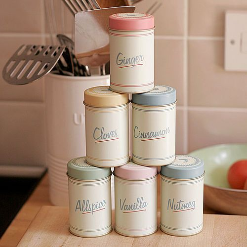 Retro SpiceJars - I want these for in my kitchen :)