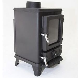 SMALL STOVE REVIEW: Salamander – The Hobbit | Tiny Wood Stove £525.00 = 748.39 US Dollars (about). Can also be bought at http://salamanderstoves.com