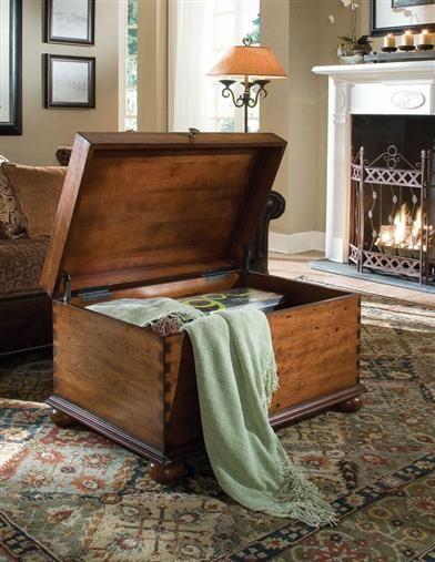 DOVETAIL HOPE CHEST