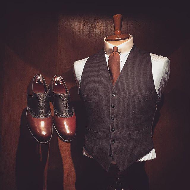 Tie: Brooks Brothers. Waistcoat: 1960s pin stripe, no label.  Shirt: A. Marchesan  Shoes: Allen Edmonds Shelton    #vintage #mensvintage #vintagemenswear #waistcoat #saddleshoes #allenedmonds #amarchesanshirts #brooksbrothers #dapper #dandy #welldressed