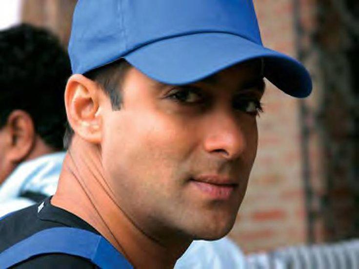 Bollywood actor salman khan biography - http://www.blogsbone.com/bollywood-actor-salman-khan-biography/