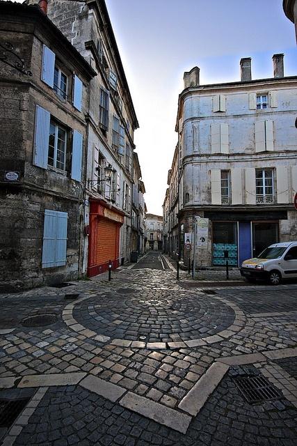 Geometric Paviors Angouleme by PureFrance, via Flickr