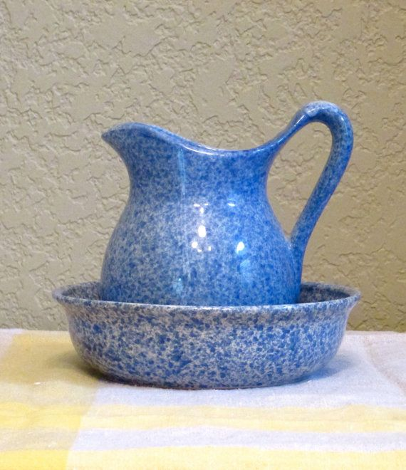 Beautiful vintage pitcher and bowl by bleu cordon blue for Vintage sites like etsy
