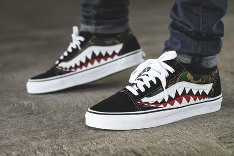 5cd3a3fedc1641 La Bape x Vans Old Skool  Shark    une paire customisée qui associe  camouflage