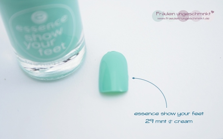 essence show your feet  toe nail polish - 29 mint & cream
