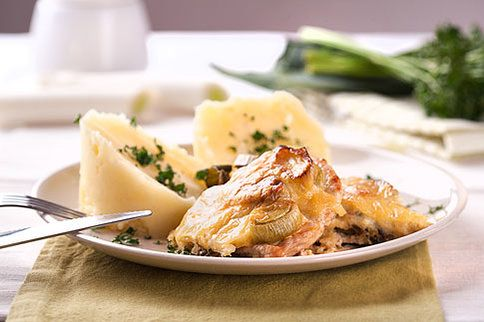 Vepřové řízky s pórkem jsou jednoduché a chutné jídlo
