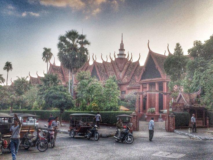 Phnom Penh evening light
