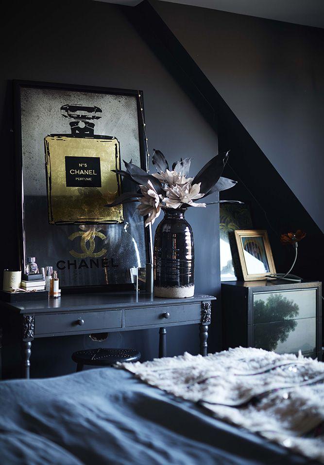 Dark walls I bedroom I mirror perfume print