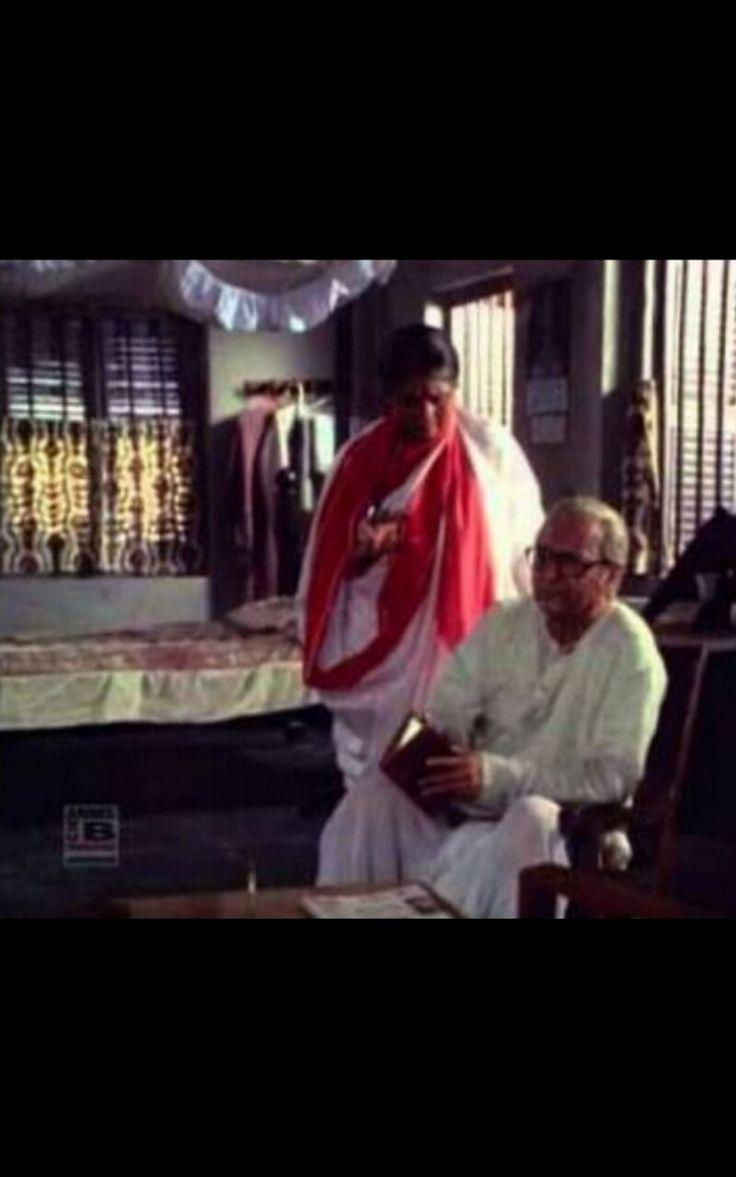 Supriya chaudhuri and Soumitra chatterjee in Atmiyo Swajan  (98 ) dir Raja Sen