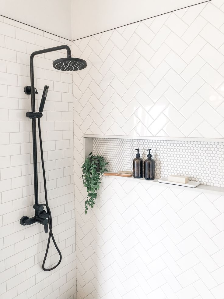 Modern shower styling #shower #modernhomedesign #b…