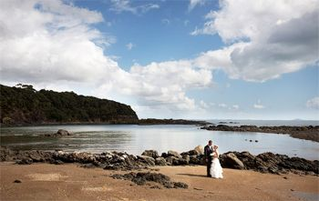 Sanctuary in the Cove stunning outdoor wedding venue. Northland wedding venue.