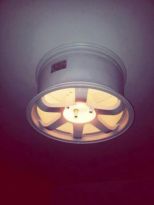 Ceiling lamp idea using a racing rim. #DIY