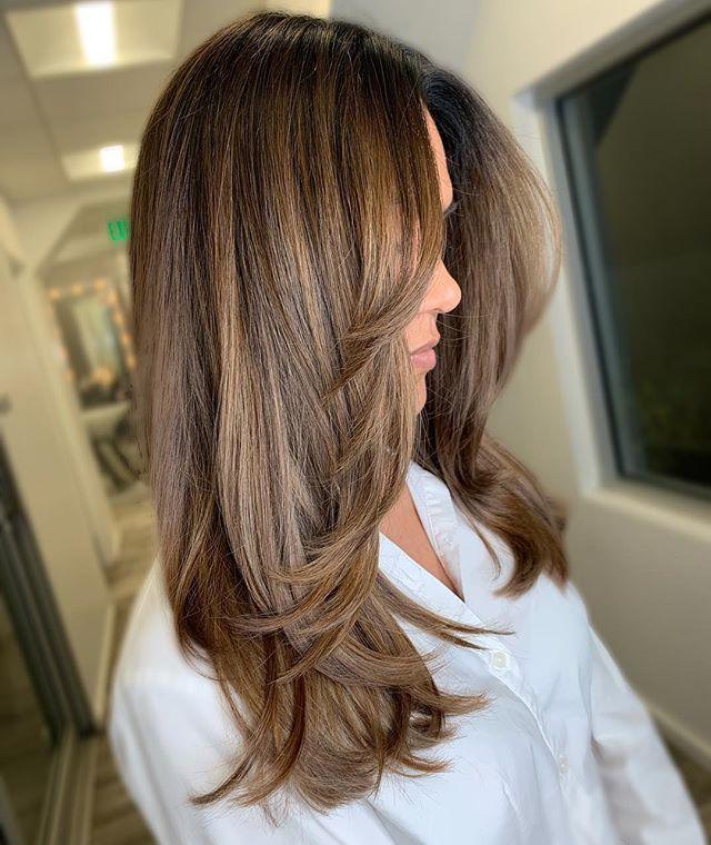 Pin On Hair Make Up Layeredhairmedium In 2020 Haircuts For Long Hair Straight Layered Haircuts For Medium Hair Haircuts For Medium Hair