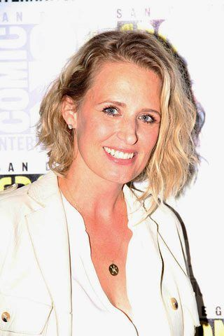 Interview with Samantha Smith on Supernatural season 12 and Mary Winchester. #supernatural