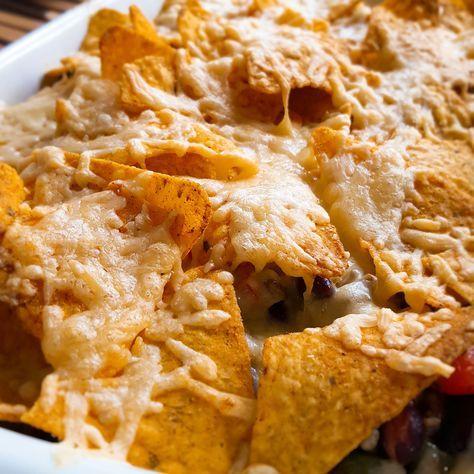 Deze nachoschotel is gekruid met picadillo kruiden van Original Spices by Jonnie Boer. Als je veel eters hebt, kun je het recept…