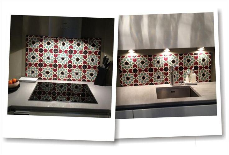 Azulejos de 20x20cm pintados en cuerda seca para una cocina de una vivienda en París.