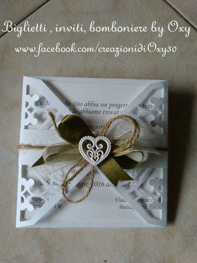 Partecipazione per Matrimonio con gessetto ( cuori-fedi-fiori) stile Rustico.