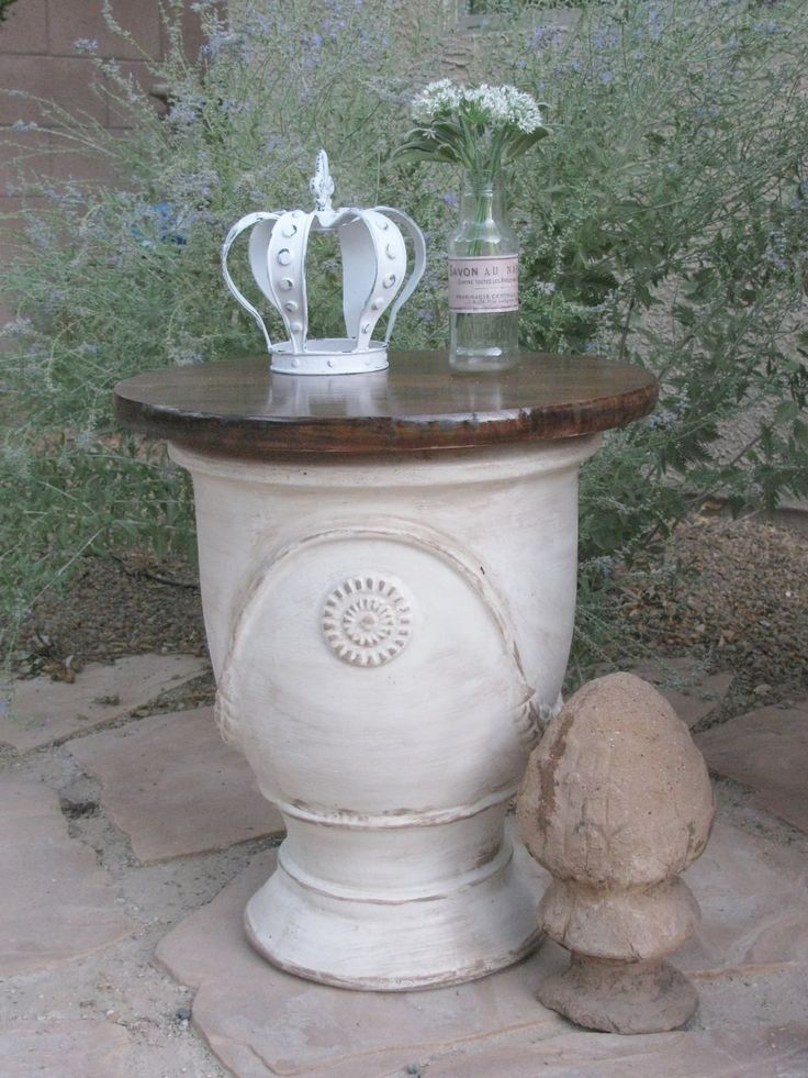Large Anduze pot made to be no longer a flower pot, but a small table....