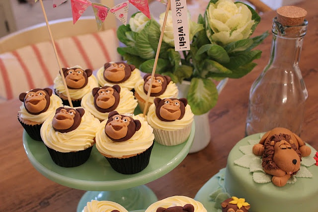 Jungle/Monkey cupcakes
