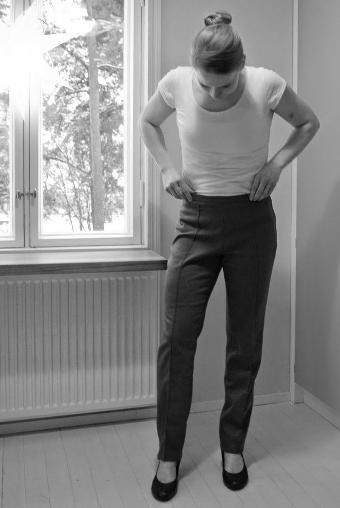 Suorat housut itse ompelemalla. Vuosi ilman ostettuja vaatteita haaste.