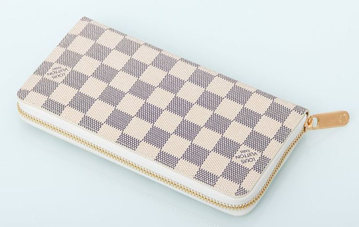 Кошелек Louis Vuitton из натуральной кожи в светлую клетку. Размер 20х9х2см #18837