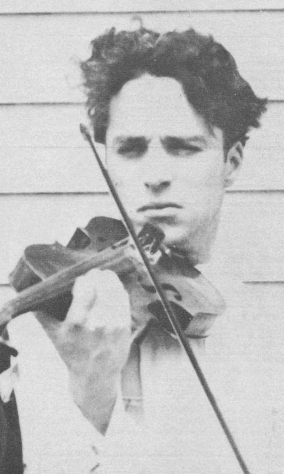 fuckyeahchaplin:Chaplin playing Violin c.1918
