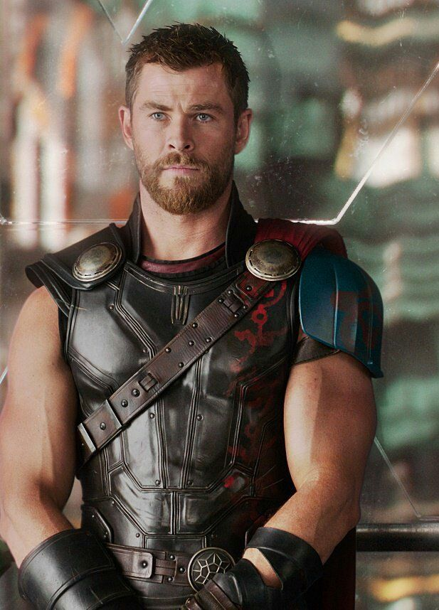 Chris Hemsworth Thor Ragnarok.