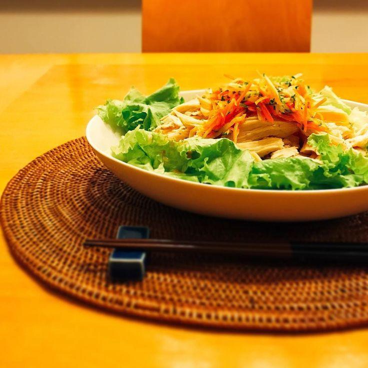 サラダうどん  蒸した鶏胸肉きゅうりとにんじんを細切り器にかけて塩と酢と油で和えたもの  ジムあがりの主人のリクエストでした  #うどん #サラダ #サラダうどん #タンパク質 #マリネ #protein #晩ごはん #dinner #晚餐 #저녁밥 #diner #abendessen #udon #middag #ужин #kolacja #cuisine #kochen #cookingram #salad #cucina #inmykitchen #foodie #foodpic #instafood #instagood #instadaily #japan #instalike #noodles