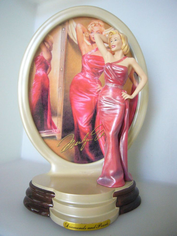 Marilyn Monroe Diamonds and Pearls Porcelain Figurine Satin Jewel