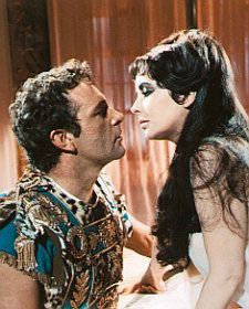 Elizabeth Taylor and Richard Burton as Cleopatra and Marc Antony