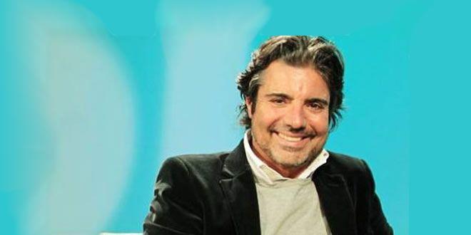 João Kleber invade programa e xinga Silvio Luiz - http://projac.com.br/brasil-mundo-e-variedades/joao-kleber-invade-programa-e-xinga-silvio-luiz.html
