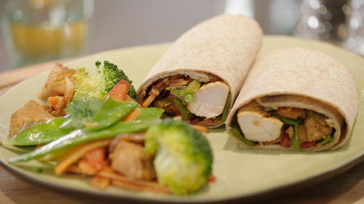 Wraps met wokgroenten en kalkoenblokjes | VTM Koken